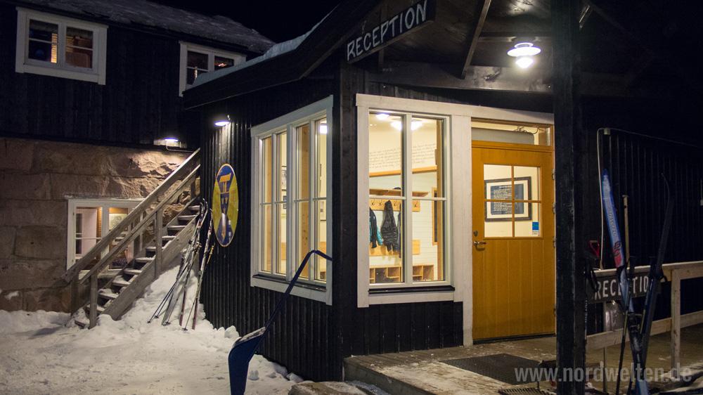 kebnekaise-fjaellstation-winter