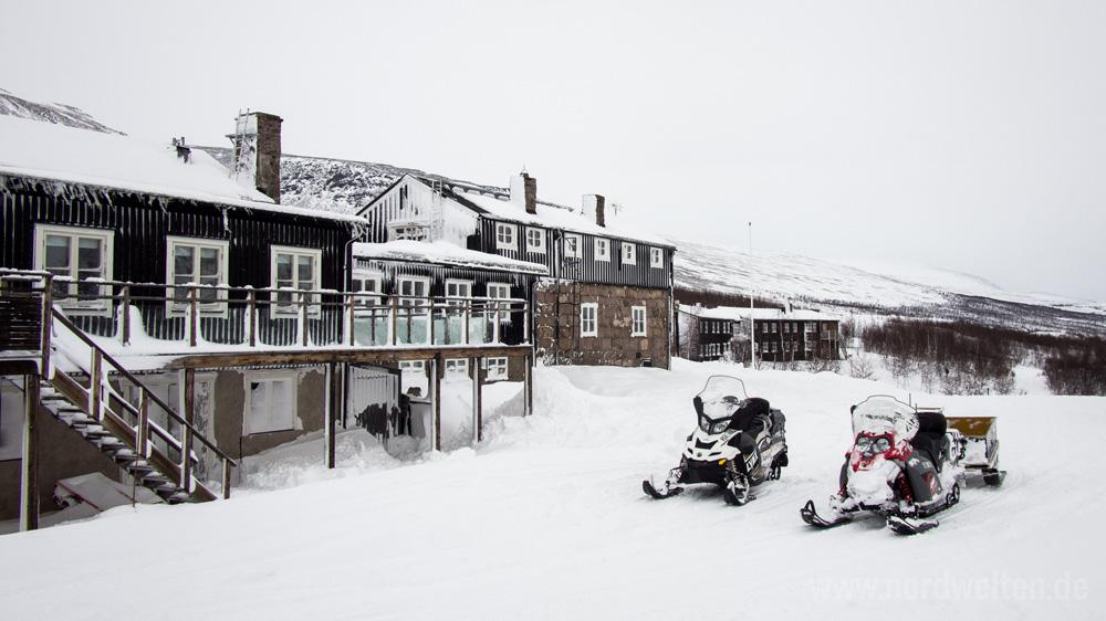 kebnekaise-fjaellstation-winter2